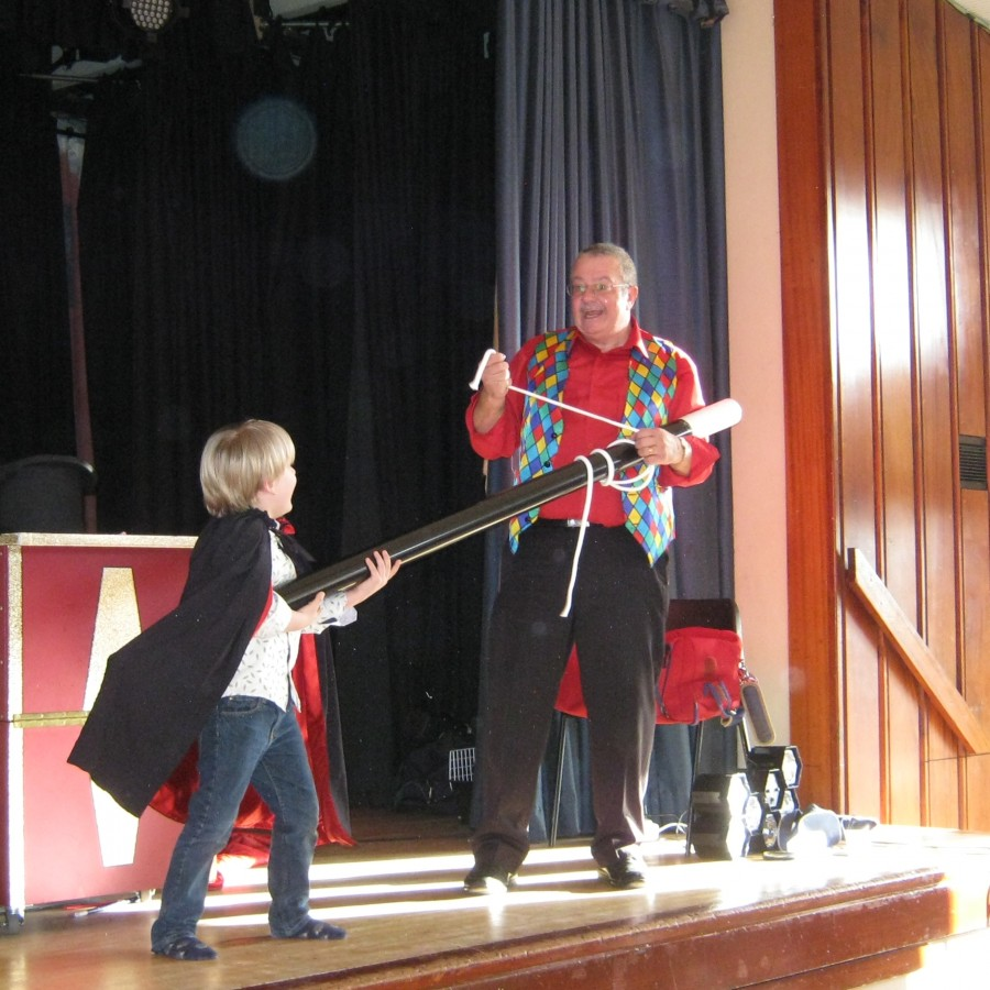 Childrens party entertainer magic bob with Digby on his birthday