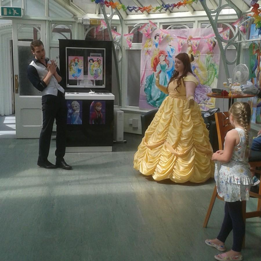 Birmingham Children's Hospital with magic bob children's entertainer