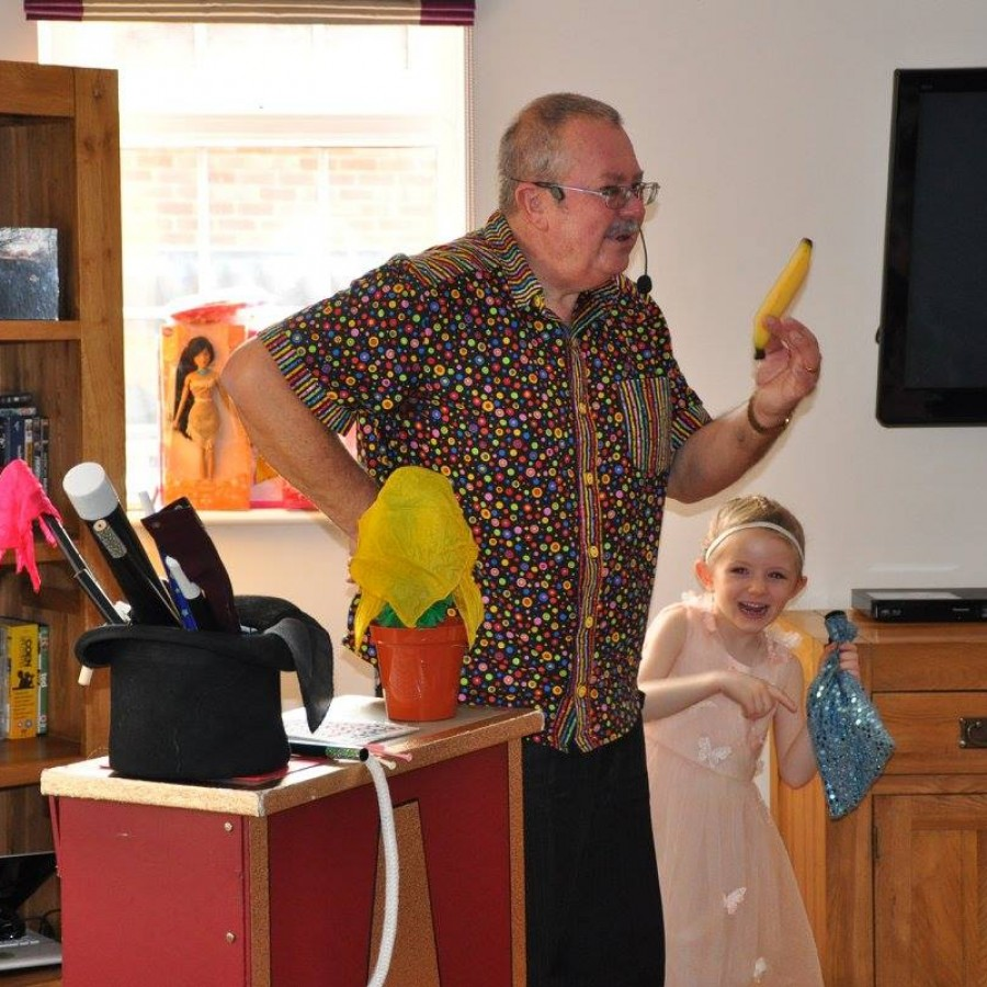 Children's Entertainer Birmingham Magic Bob