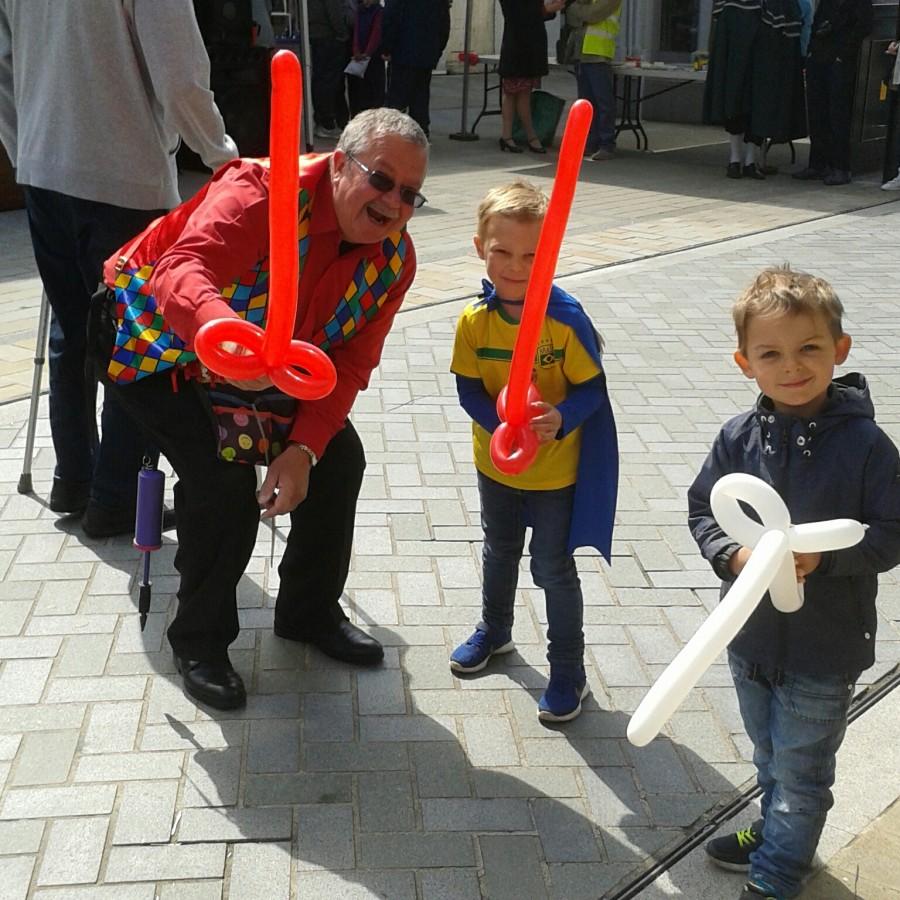Magic bob children's entertainer in Bromsgrove